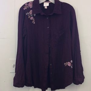 Knox Rose burgundy button up size large